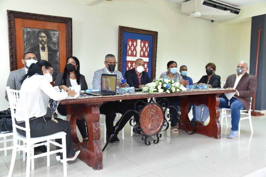 La sala capitular de Santa Cruz de El Seibo seccionó y declaró hijo distinguido a miembro de Acroarte