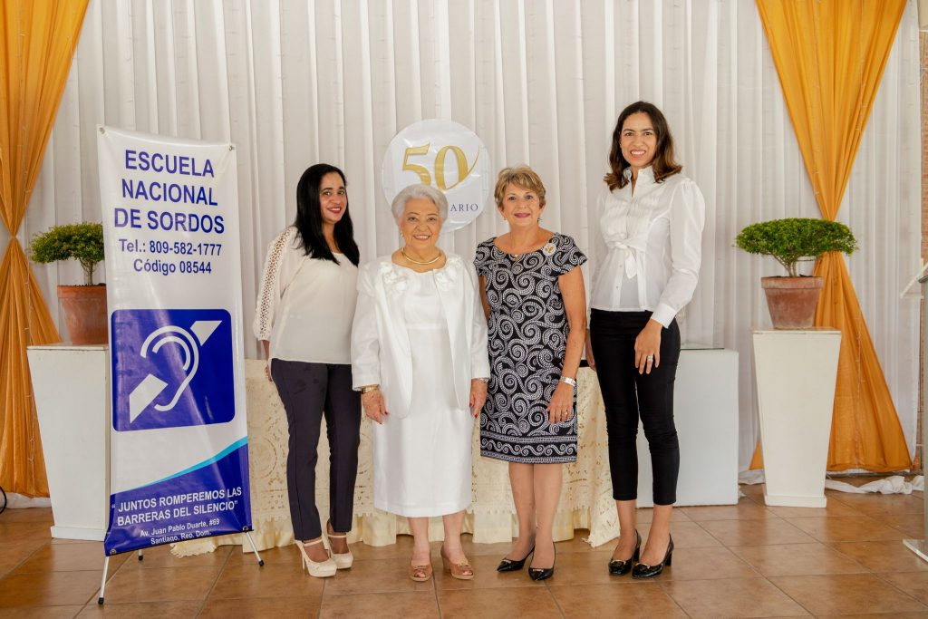 Angelina Pérez, Norma Almonte de Espinal, Myrna Brugal de Jana y Melany Rodríguez