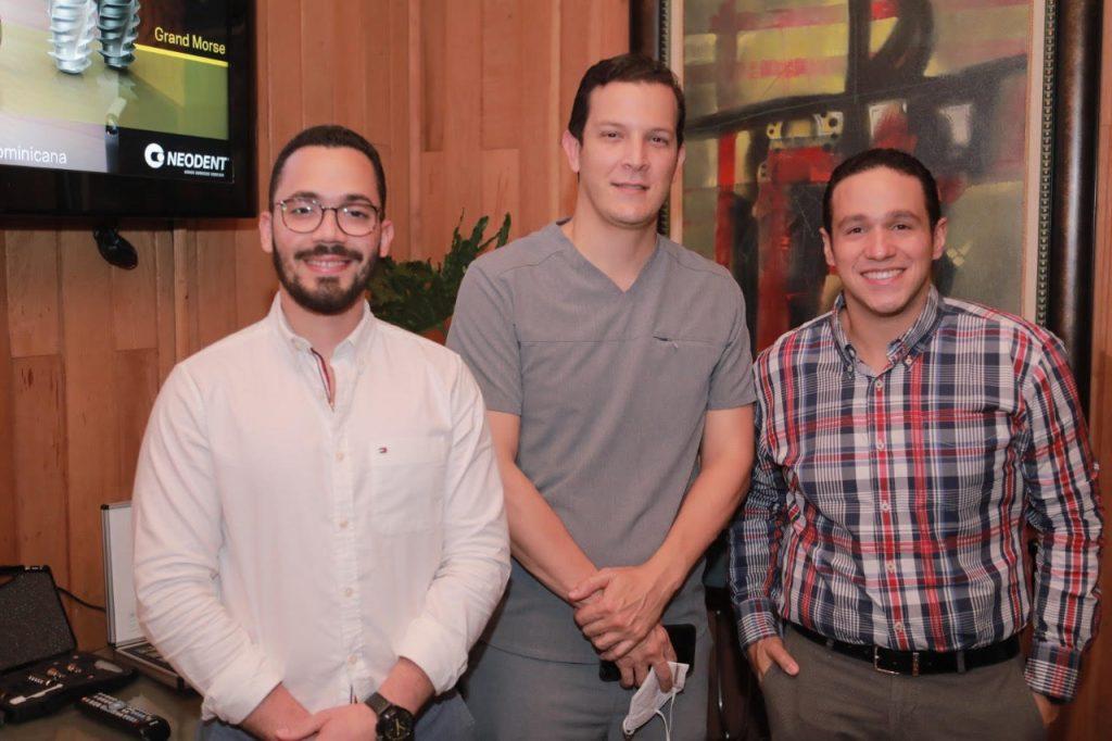 Edgar González, Alejandro Valdiviar y Marcos Pichardo.