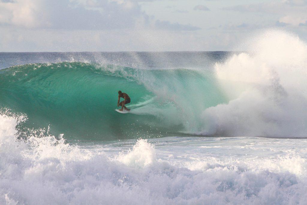 Surfer  by Holidu