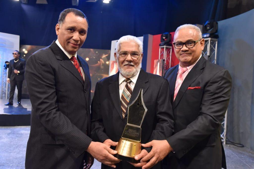 Ney Zapata, Claudio Concepción y Alexis Beltré premio al mérito 2020